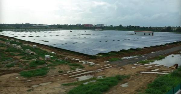 bandara energi matahari
