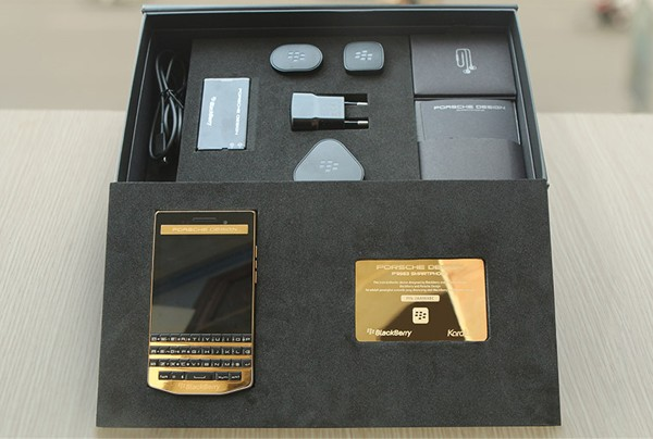 Blackberry Porsche Design P'9983 Emas 24 karat box