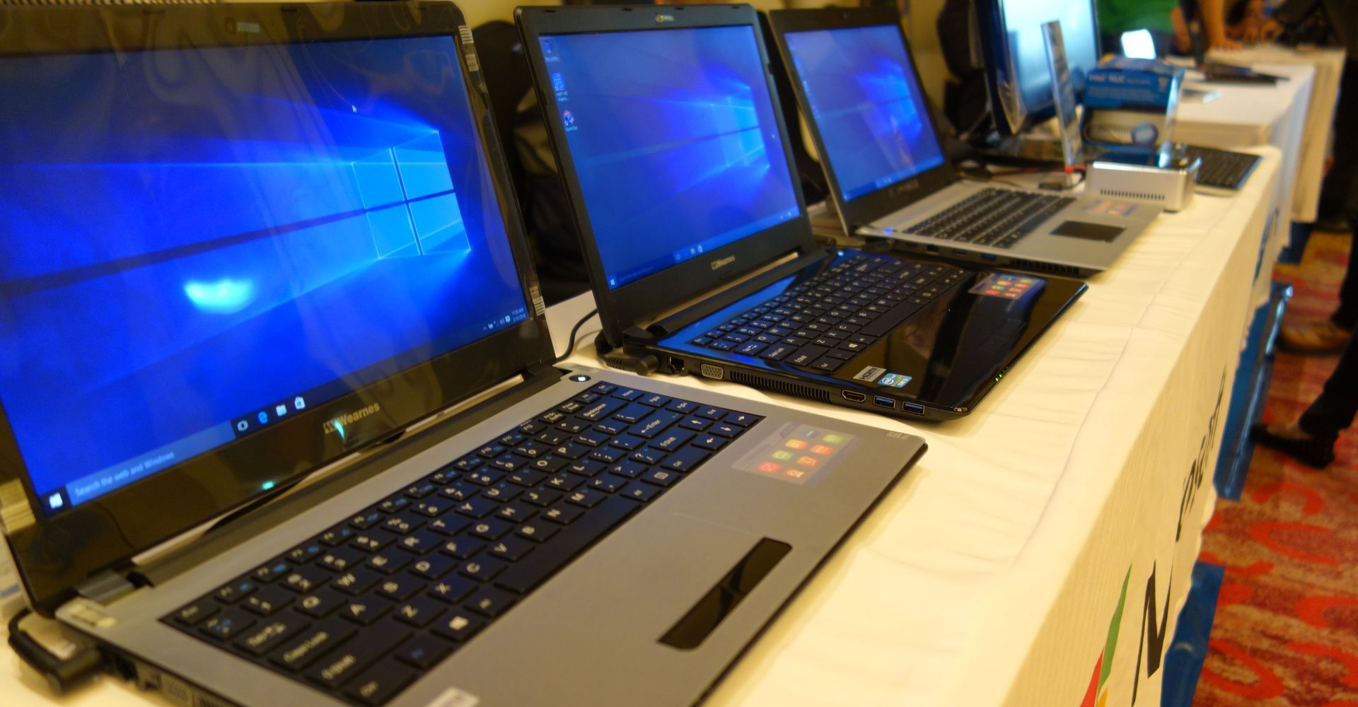 Gambar Laptop Murah Terbaik di Bawah Rp 3 Jutaan Hero