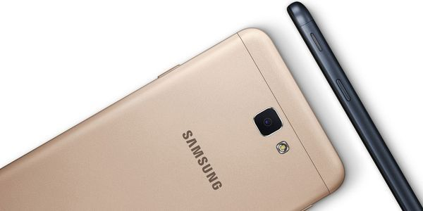 Samsung Galaxy J7 Prime Belakang