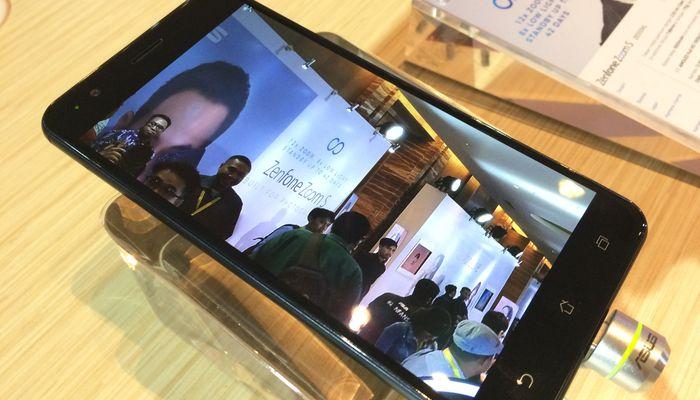 ASUS Zenfone Zoom S Desain Depan