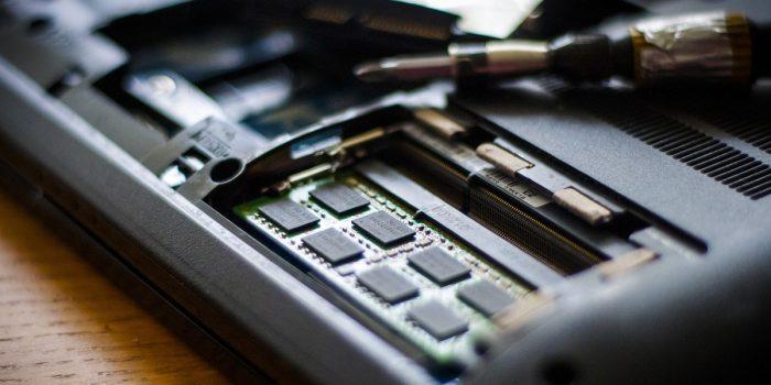 Perbedaan RAM dan ROM Featured