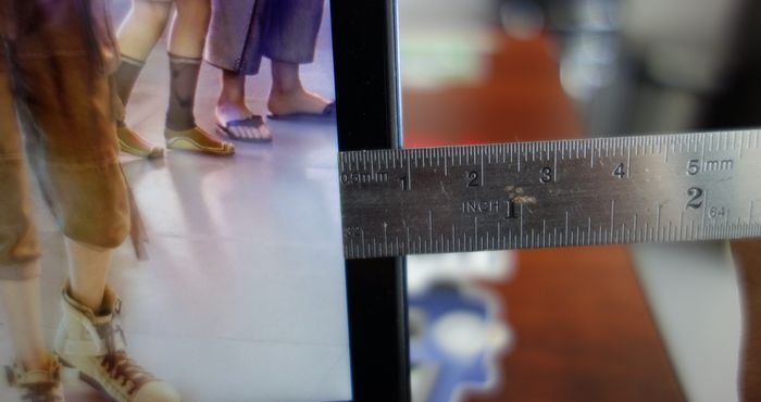 ASUS Zenbook Flip S Bezel Layar