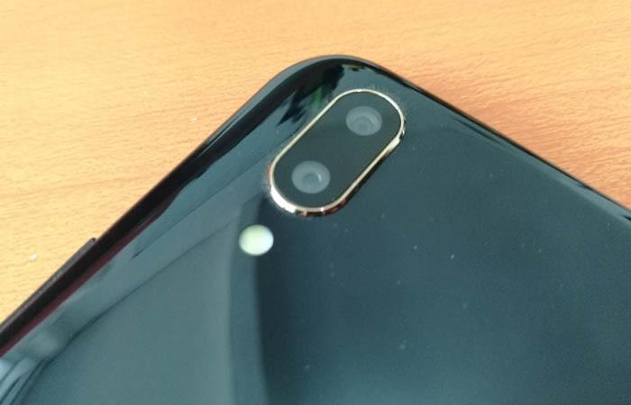 Vivo V9 RAM 6 GB Dual Cam