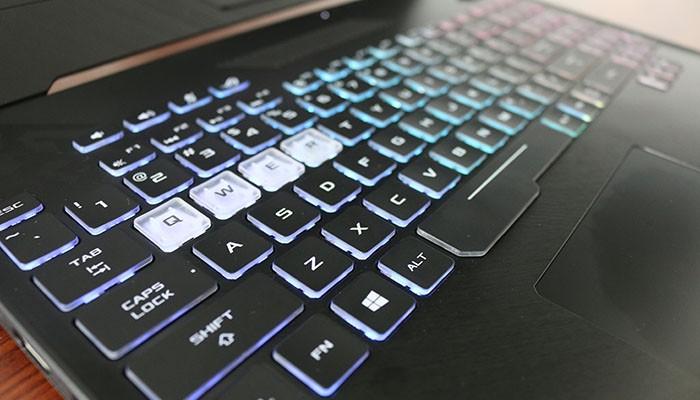 ASUS ROG Strix GL504 Hero II - Keyboard