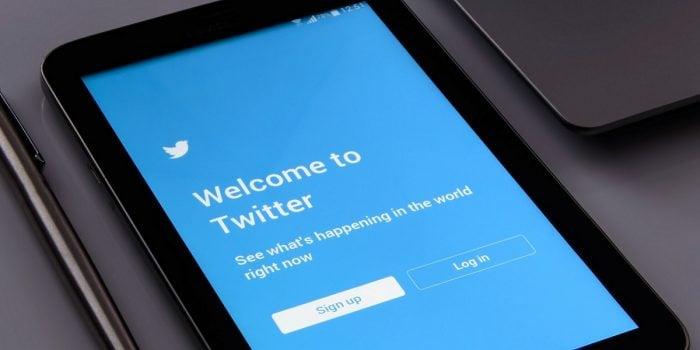Cara Melaporkan Akun Palsu Twitter Header