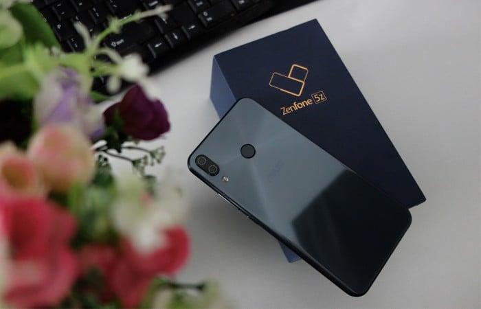 ASUS ZenFone 5Z - Back