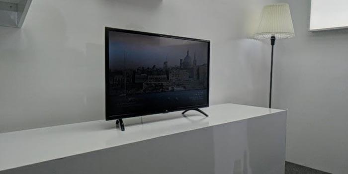 Mi TV 4A Header