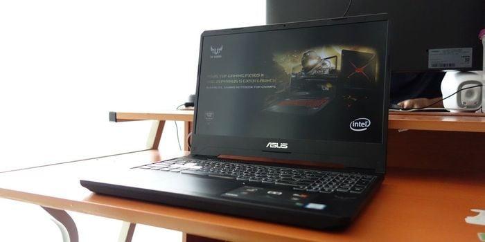 ASUS TUF Gaming FX505 Layar