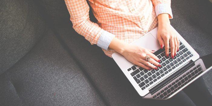 Perbedaan Laptop dan Notebook Header