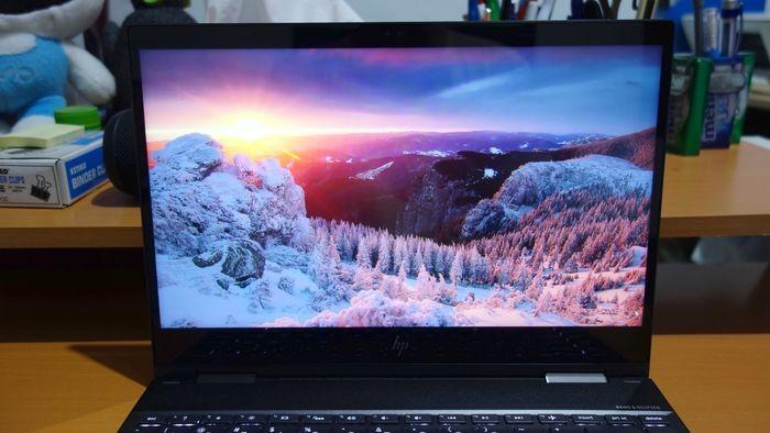 HP Envy x360 Layar