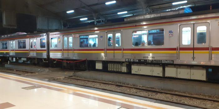 StasiunMalamLampu