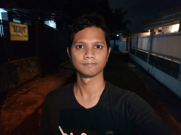 Kamera-HUAWEI-Mate-20-Selfie-Malam