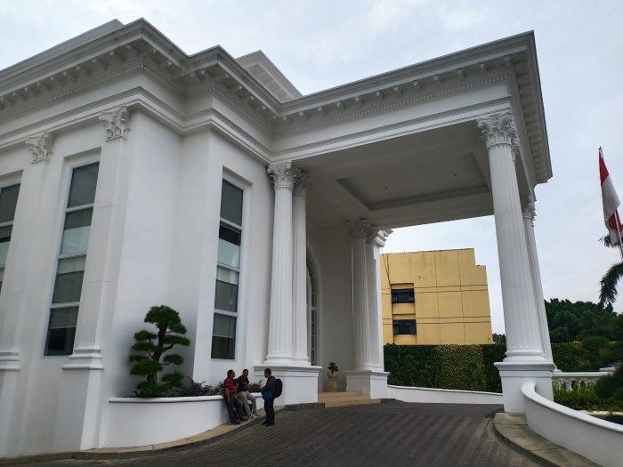 Contoh Hasil Foto Kamera Belakang Vivo V15 - Gedung
