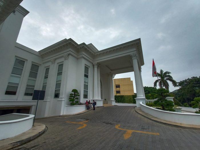 Contoh Hasil Foto Kamera Belakang Vivo V15 - Wide Gedung