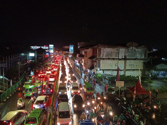 Contoh Hasil Foto Kamera Belakang Vivo V15 - Jalan Raya