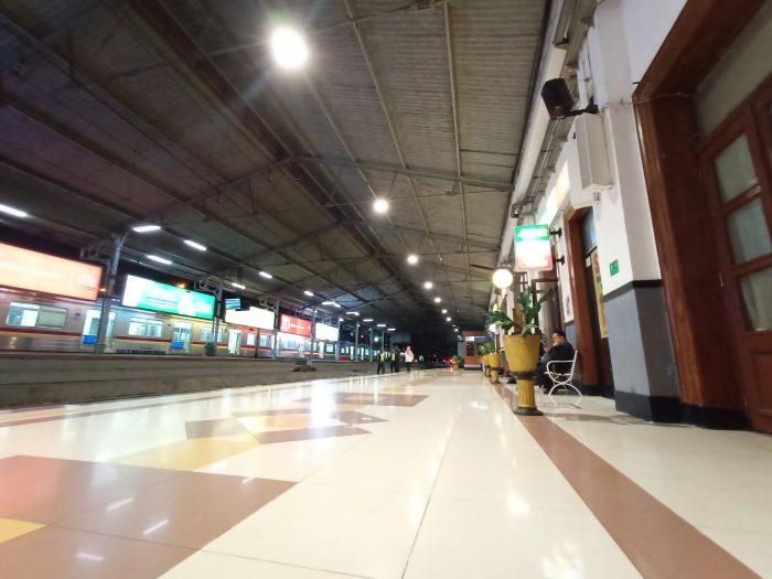 Contoh Hasil Foto Kamera Belakang Vivo V15 - Wide Stasiun