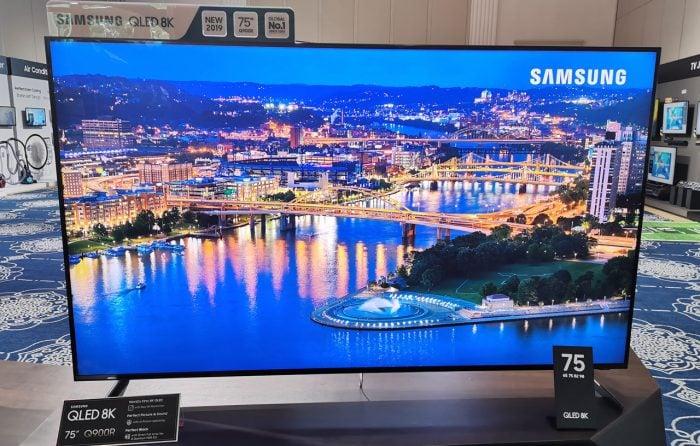 Samsung QLED 8K TV ukuran 75 Inci