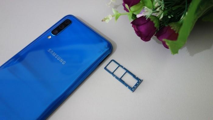 Samsung Galaxy A50 - Desain