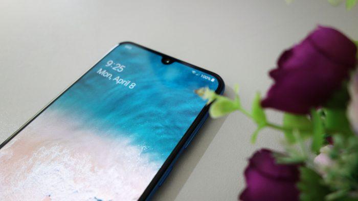 Samsung Galaxy A50 - Layar