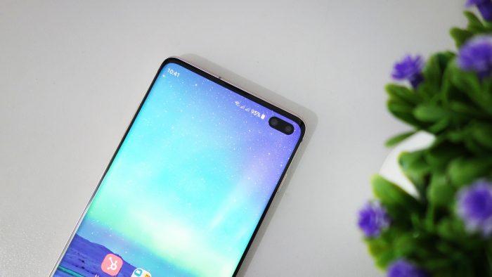 Samsung Galaxy S10 Plus - Layar