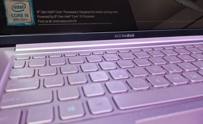 ASUS-VivoBook-Ultra-K403-Keyboard