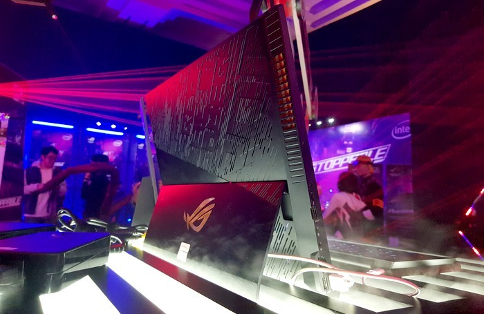 ASUS ROG Mothership Be Unstoppable Belakang