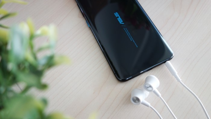 ASUS Zenfone 6 - Headphone Jack