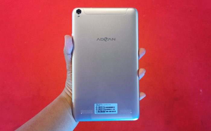 Advan GTab Back