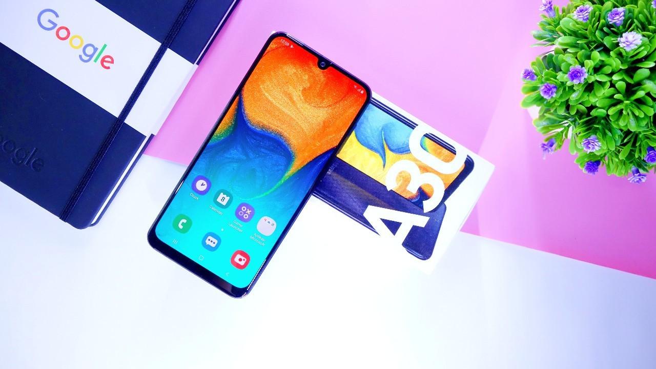Review Samsung Galaxy A30 Header