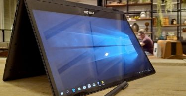 Laptop Windows 10 Wallpaper