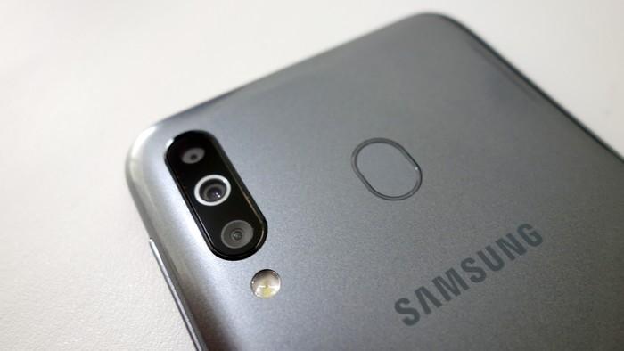Review Samsung Galaxy M30 Sensor Fingerprint