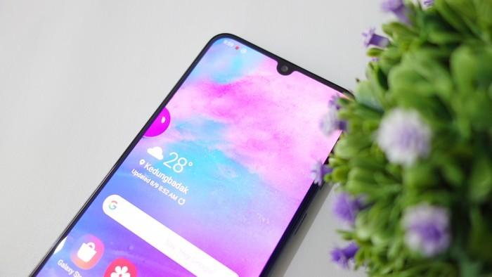 Samsung Galaxy M30 Layar