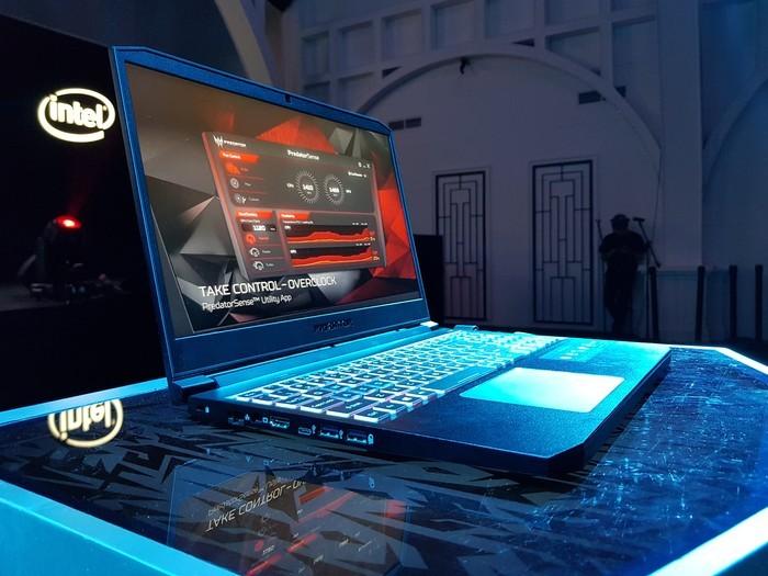 Acer Predator Triton 300 League Samping