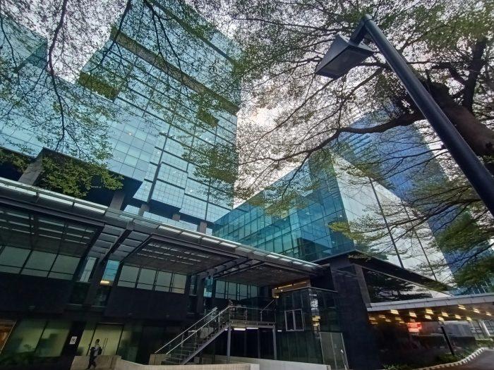 Reno2F-Gedungkaca-ultrawide