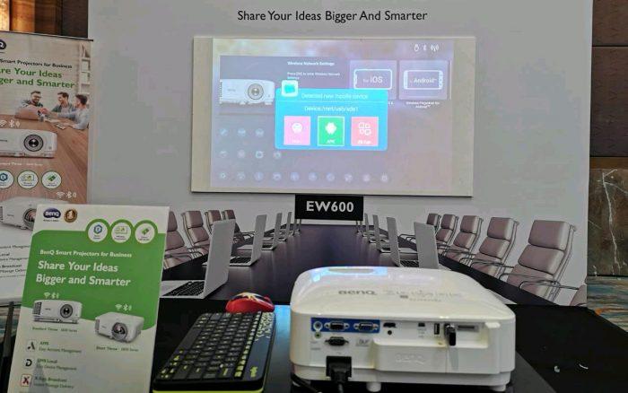 BenQ-Smart-Projector-display