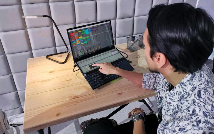 ASUS-ZenBook-Pro-Duo-Feature-Music