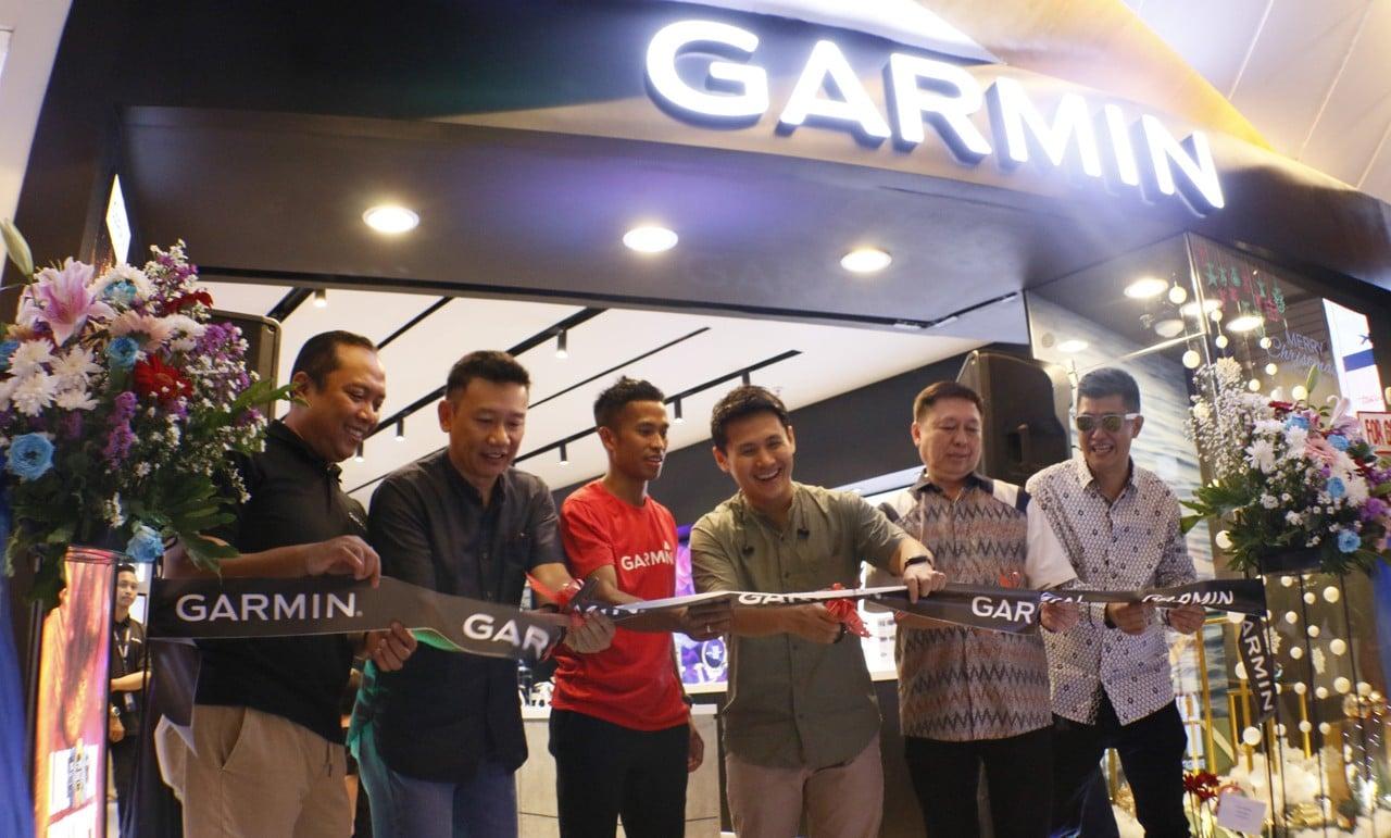 Garmin Brand Store Feature