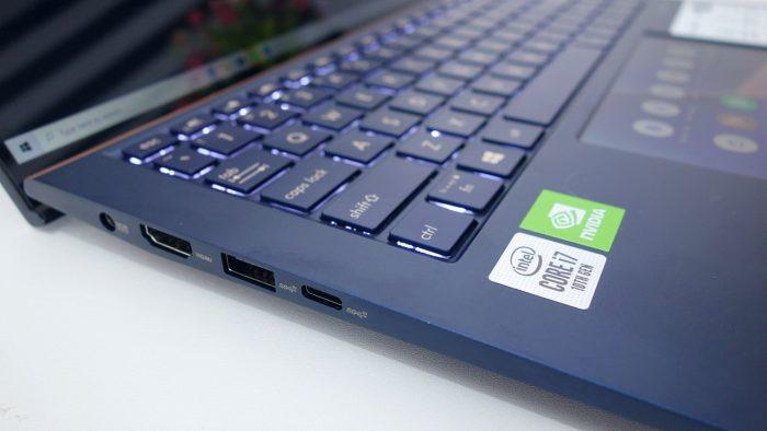Review ASUS ZenBook 13 UX334FL Port Kiri