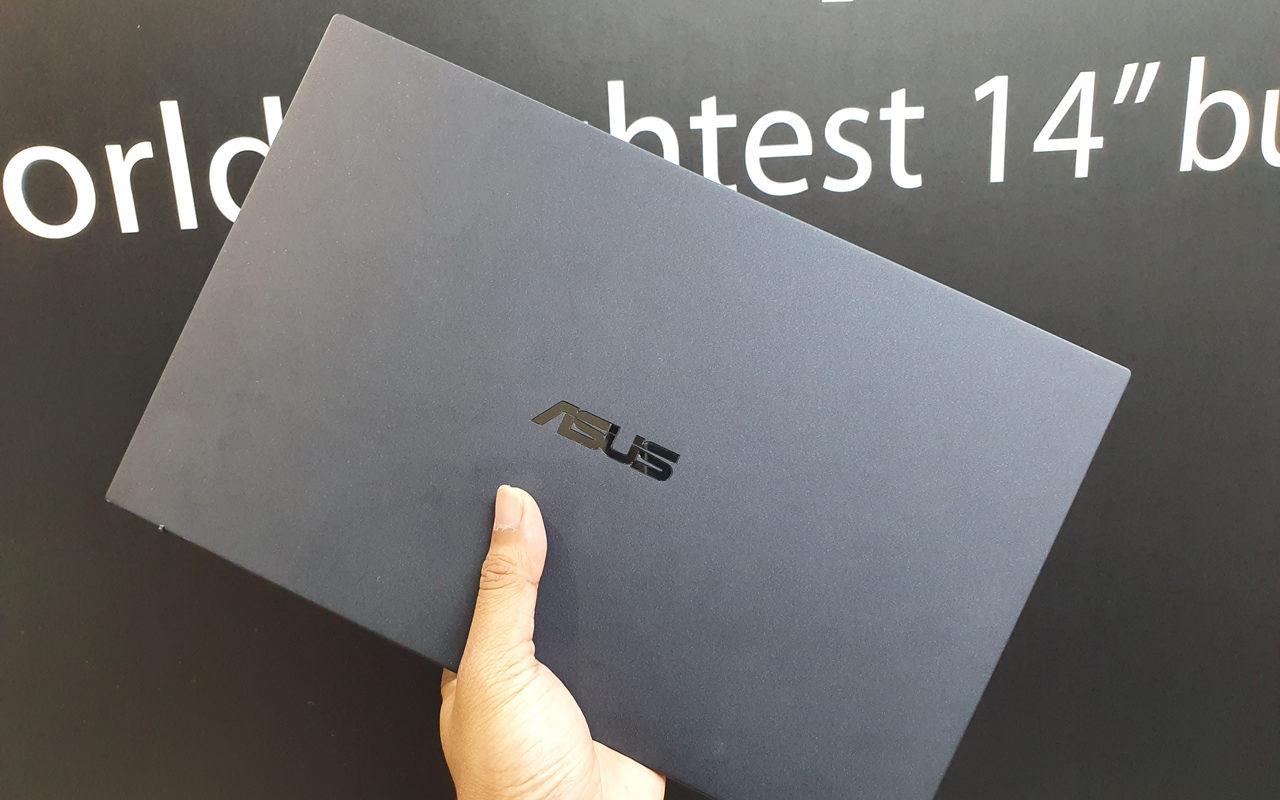 ASUS Expert B9450 Top