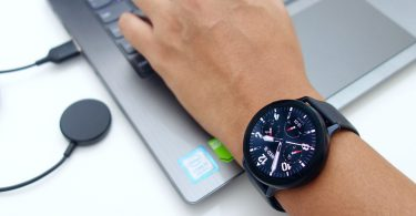 Samsung Galaxy Watch Active2 Pergelangan Tangan