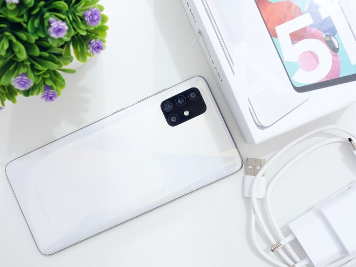Review the Samsung Galaxy A51 Rear