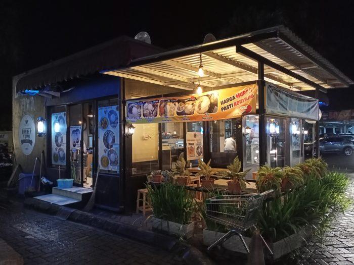 realme C3 Kamera Belakang Malam Cafe Auto