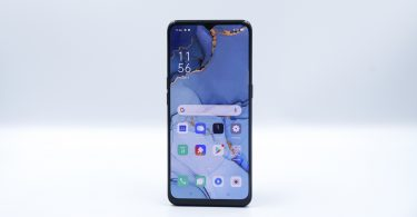 OPPO Reno3 Unboxing Display