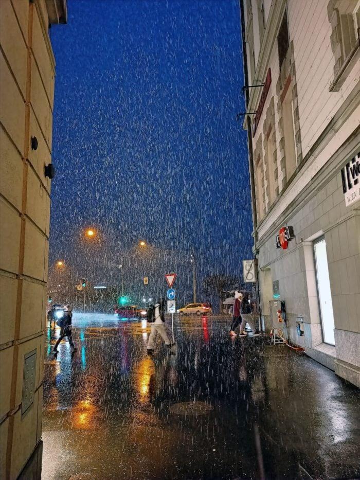 Reno3-NightMode-Rain