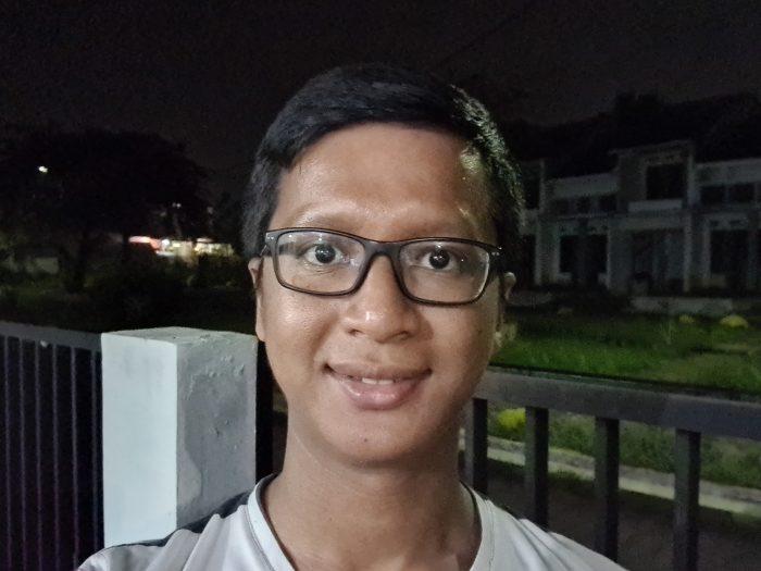 Galaxy S20 Ultra - Kamera Malam Selfie 01