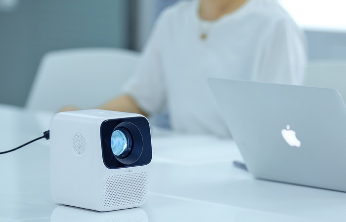 Wanbo-T2-Free-Projector.