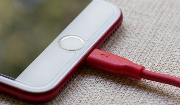 Kabel smartphone rusak