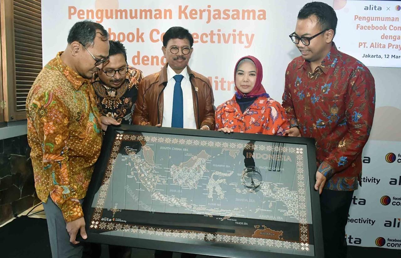 Kecepatan Internet Indonesia Lambat, Facebook dan Alita Perluas Kaber Fiber Header.