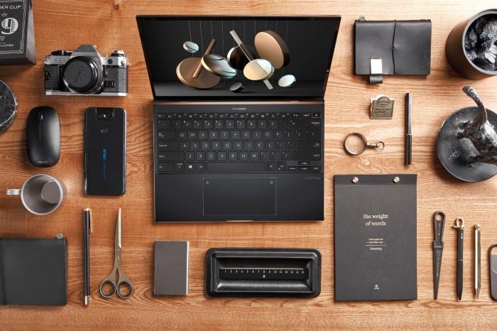 ASUS-ZenBook-S-UX393-Scenario-photo-Edge-to-edge-keyboard